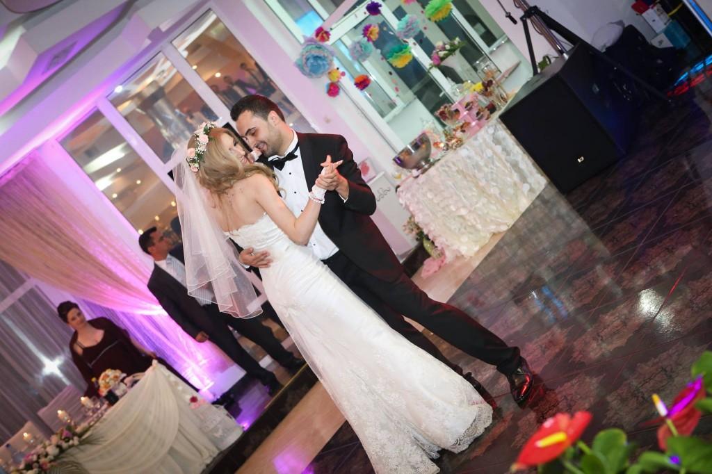 dansul mirilor, blue jeans, dans miri nunta